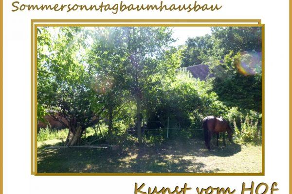 Baumhaus mit Pferd